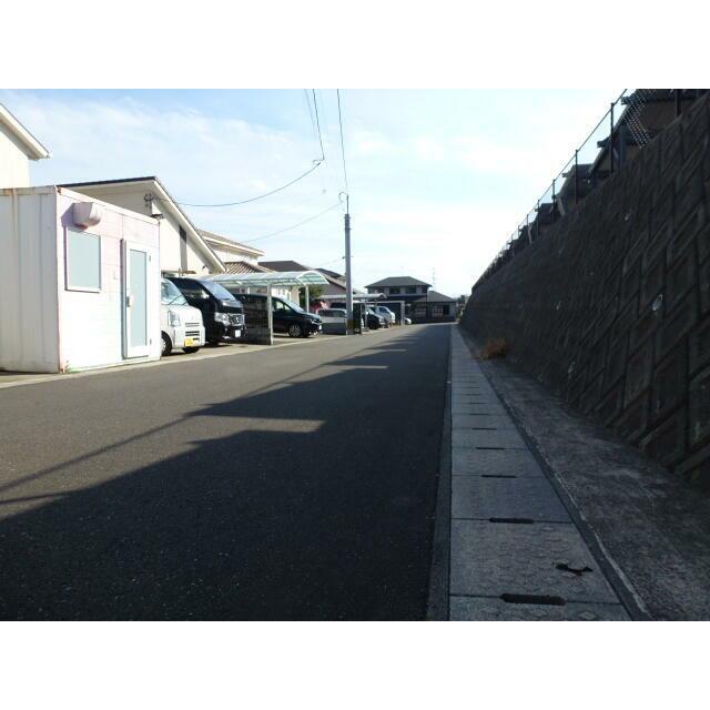 大分市横尾東中古住宅 外観3 前面道路