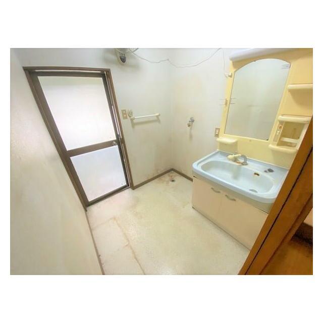 大分市関園 中古住宅 洗面脱衣室