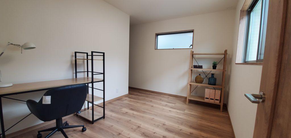 大分市上宗方の平屋住宅に搬入した家具 洋室