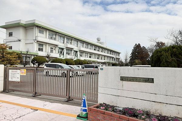 大分市小池原新築建売住宅 周辺環境 明野北小学校校門