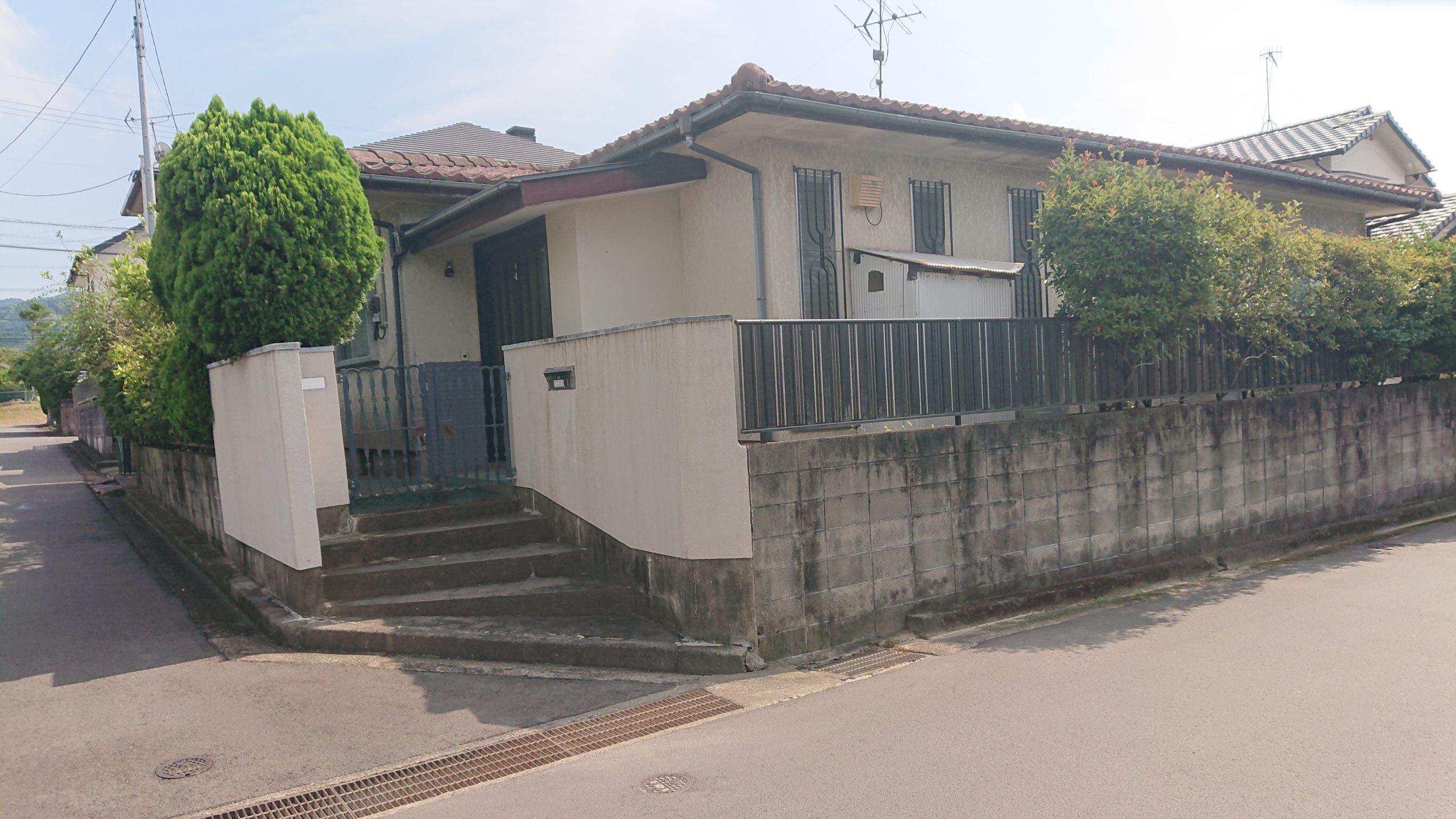 大分市田尻の中古住宅の外観写真