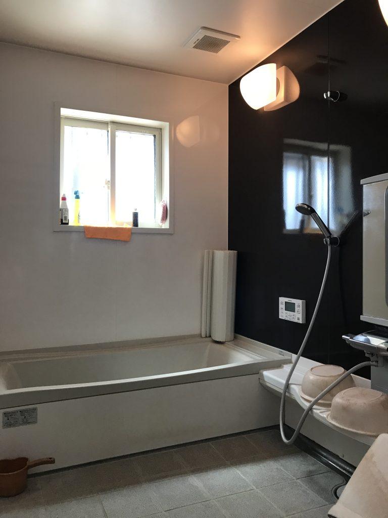 カームタウン木ノ上の中古住宅 落ち着いたきれいな浴室