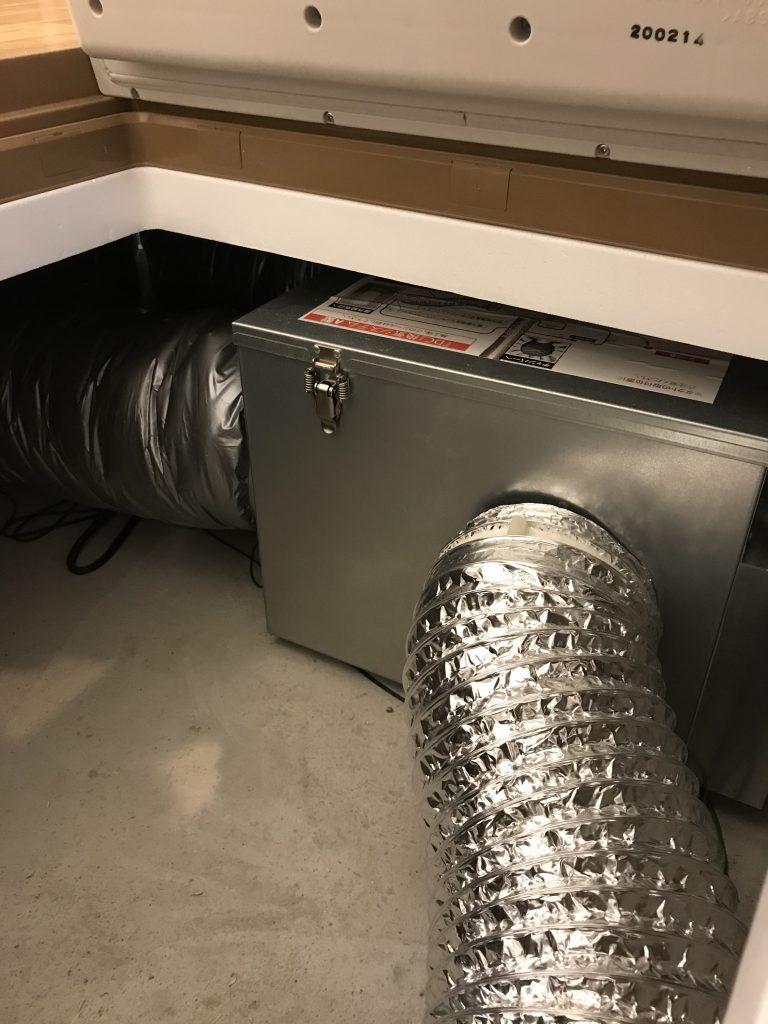 床下のライフボックスについている換気システム「澄家」の画像
