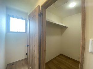 津守の建売のウォークインクローゼットの写真