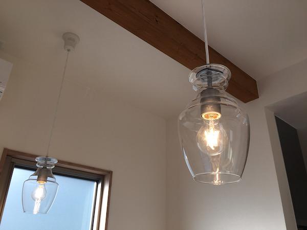 ルームツアーのお家の照明の写真