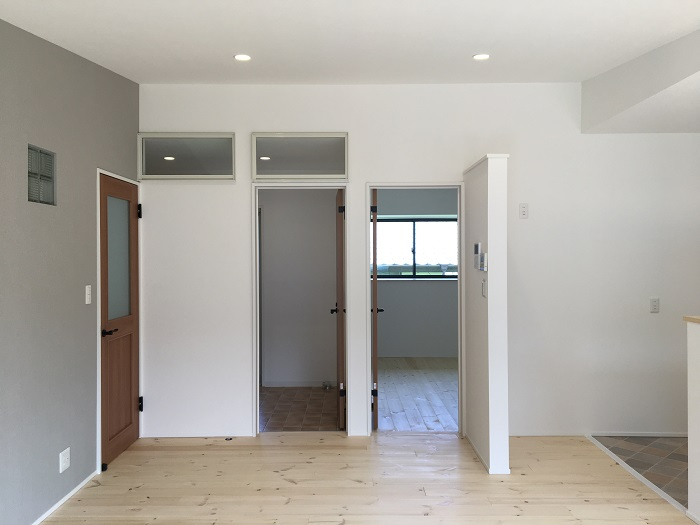 SAKAI株式会社でリノベーションしたお家 来客動線 リビングから洋室・洗面室方向