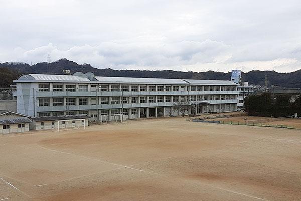 大分市高江中央 周辺環境 判田中学校