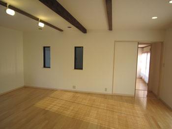 大分市で中古住宅購入とリフォームをご依頼のお客様N様との対談 リビング2 大分不動産情報サービス お客様の声