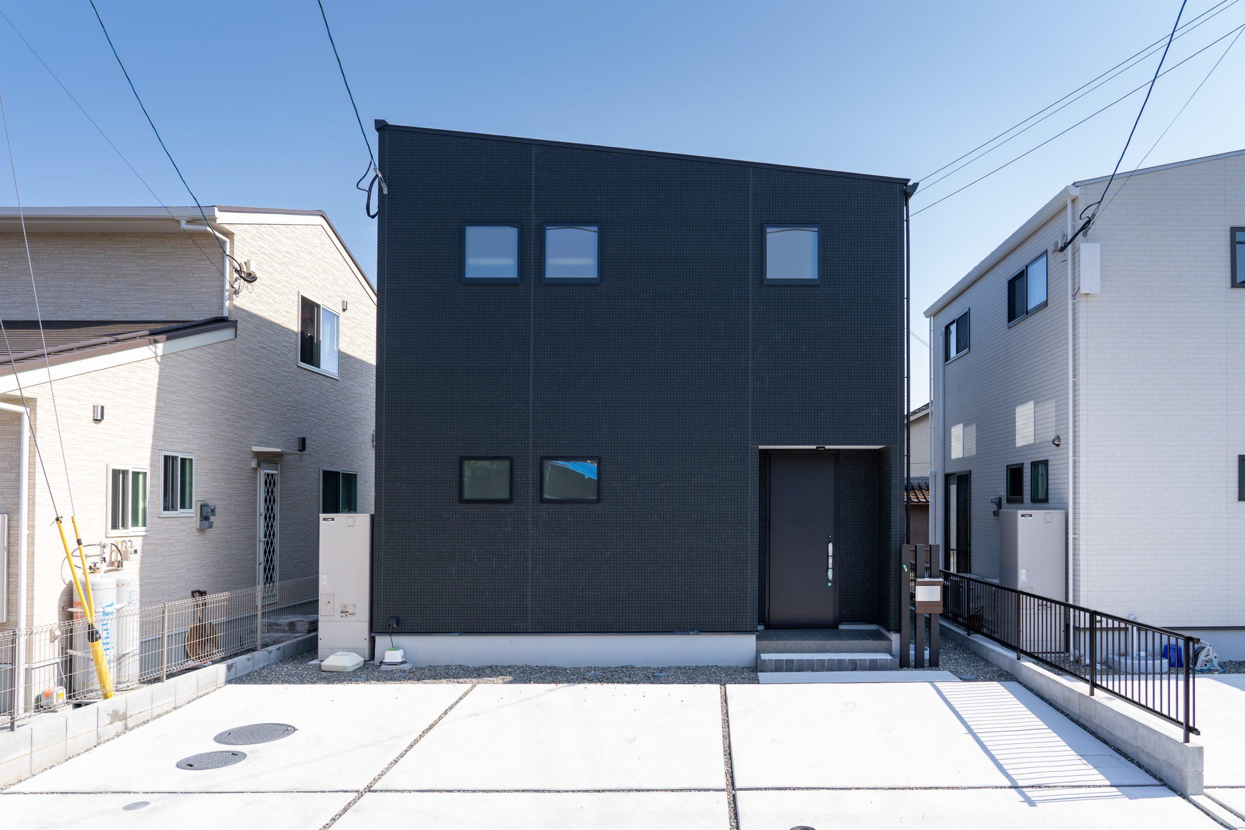 大分市片島の新築建売住宅 外観です。